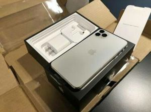 IPhone 11 pro max for Sale in Boulder Creek, CA