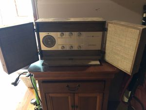 Vintage radio for Sale in Bethany, CT