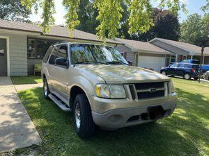 2001 Ford Explorer sport (2 door) for Sale in Aurora, IL