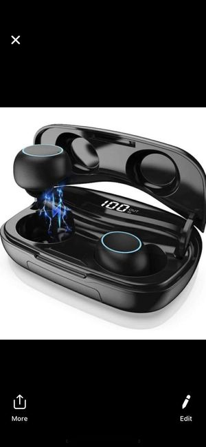 Bluetooth earphones 5.0 with charging case for Sale in Morrow, GA