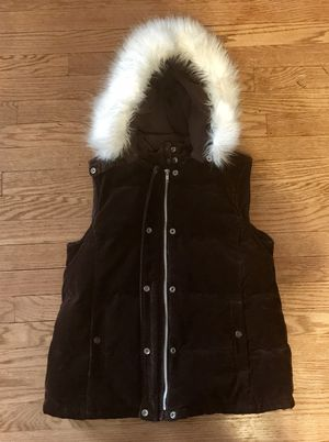 Gap corduroy, fur hooded vest-size small for Sale in Wauwatosa, WI