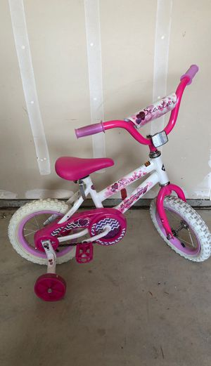 Girls Bike with Training Wheels for Sale in Fresno, CA