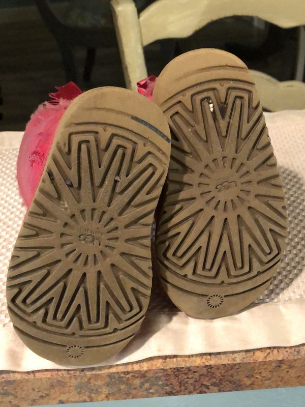 Uggs Girls Pink Bailey Bow Size 7