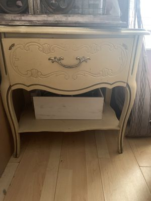 Shabby chic night stand/side table/small vanity for Sale in Lake Worth, FL