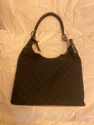 Gucci hand bag authentic guarantied ! for Sale in Libertyville, IL