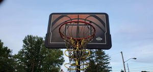 Basketball hoop with stand and ball retreat bar for Sale in Mount Vernon, OH