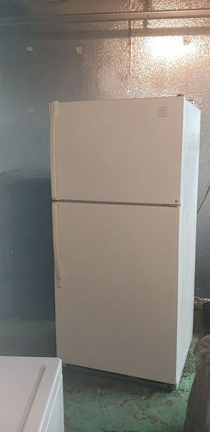 Whirlpool refrigerator for Sale in Sacramento, CA