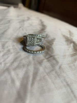 3ctw engagement ring and two wedding/anniversary bands for Sale in Joliet, IL