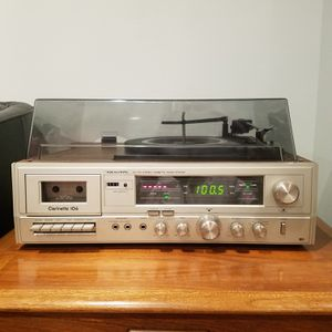 Realistic Clarinette 106 Vintage Radio Shack AM/FM Stereo Cassette Music System with Turntable for Sale in Chevy Chase, MD