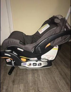 Chicco Infant Car Seat and Base for Sale in Daytona Beach, FL
