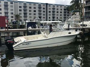 Seaboss 255 Wa twin 200 meecury for Sale in Miami, FL