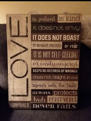 Love never fails wall decor for Sale in Kendallville, IN