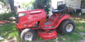 SUPER NICE TROY BUILT RIDING MOWER NO ISSUES VERY LOW USE for Sale in Fort Worth, TX