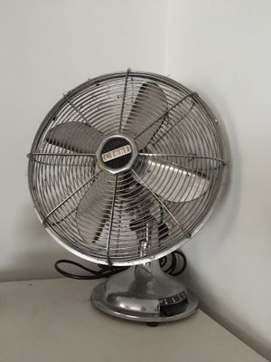 Cinni Classic 4 Blade Chrome Fan with Multispeeds for Sale in Brooklyn, NY
