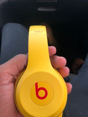 Beats solo 3 headphones for Sale in Philadelphia, PA