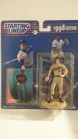 Starting Lineup Cal Ripken Jr Action Figure 1998 Edition Comes with a trading card for Sale in Riviera Beach, FL