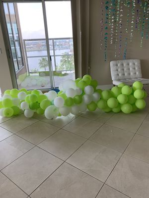 FREE lime green/white balloon arch for Sale in Stockton, CA