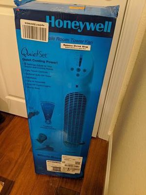 Honeywell Tower Fan with Remote for Sale in Saratoga, CA