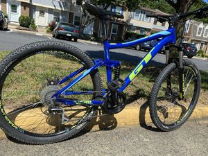 Mountain bike for Sale in Springfield, VA