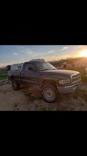 Dodge Ram 1998 4 by 4 for Sale in Atwater, CA