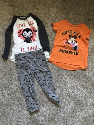 2T girl Halloween clothes for Sale in Verona, WI