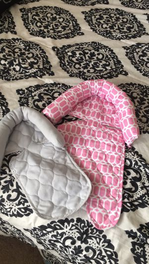 Baby head support for Sale in Moline, IL