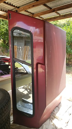 Camper shell para troka chica 59 by 78 for Sale in San Antonio, TX
