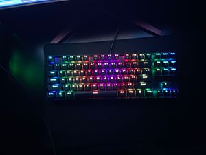 Redragon 80% mechanical keyboard with blue switches for Sale in Miami, FL