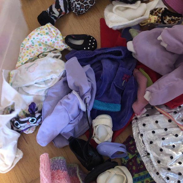 """American Girl Doll """"Kit"""" (with a lot of clothes)"""