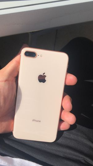 iPhone 8 Plus Rose Gold 64GB -unlocked in perfect conditions - comes with brand new charger for Sale in Los Angeles, CA