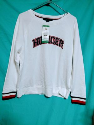 TOMMY HILFIGER SWEATER FOR WOMEN SIZE XL. $10 PRICE FIRM. for Sale in Tustin, CA