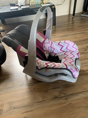 Car seat with base for Sale in Limestone, TN