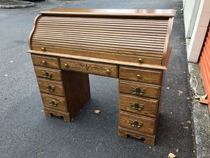 Nice Sturdy 5 Drawer Rolltop Desk for Sale in Arlington, WA