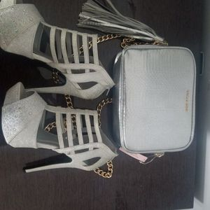 Size 7 Silver Hills and Purse Set for Sale in Fort Lauderdale, FL