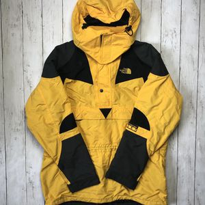 The North Face Extreme Light Yellow Vintage Jacket for Sale in Elk Grove Village, IL