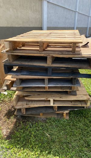 Free wood pallets for Sale in Hollywood, FL