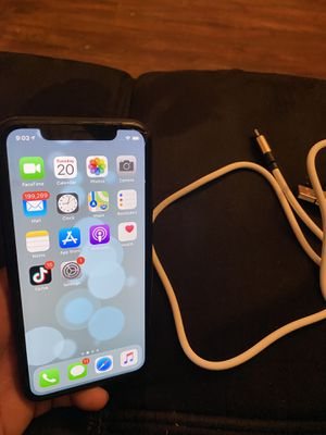 iphone xr 64gb ATT for Sale in Brook Park, OH