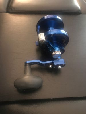 Avet MXJ 6/4 2-Speed Lever Drag Casting Reels Blue for Sale in Los Angeles, CA
