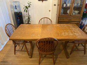 Kitchen table and china cabinet for Sale in Salinas, CA