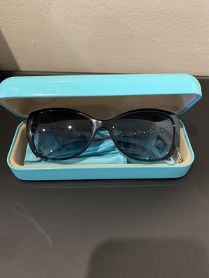 Authentic Tiffany sunglasses model for 105HB for Sale in Phoenix, AZ