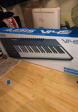 Alesis vi49 keyboard for Sale in Salinas, CA