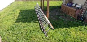 28' Extension Ladder for Sale in Cypress Gardens, FL