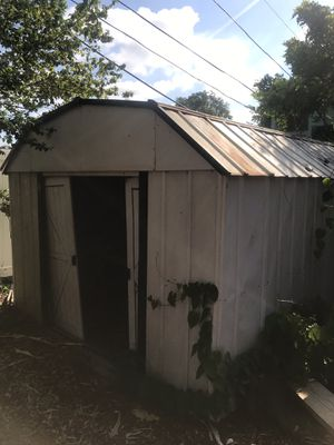 Free shed for Sale in Saint Pete Beach, FL