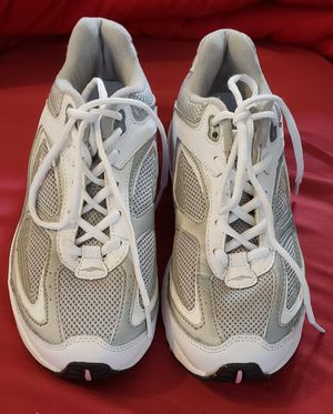 Like new Ladies Avia size 8 tennis shoes for Sale in Beckley, WV