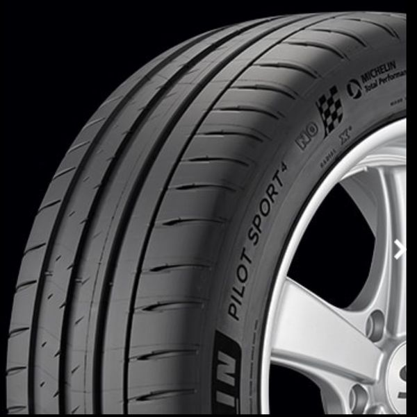 Michelin Pilot Sport 4 Tires R19