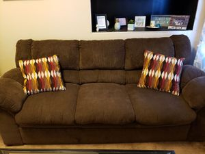 Comfy brown couch for Sale in Pittsburgh, PA