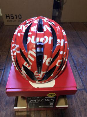 SUPREME MIPS BIKE HELMET GIRO for Sale in Garden Grove, CA