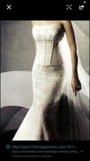Oleg Cassini Wedding Gown and Matching Veil Size 12 for Sale in Knoxville, TN