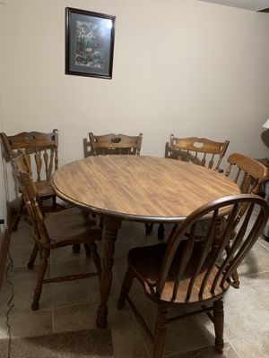 Oak table with 6 chairs and two leafs. for Sale in Lexington, KY