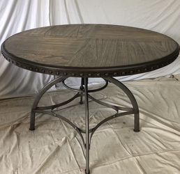 Adjustable Height Dining Table - DELIVERY AVAILABLE for Sale in Everett,  WA